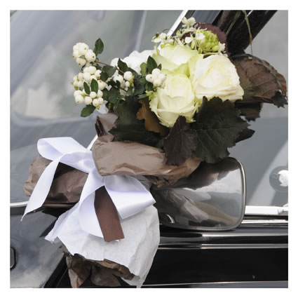 Addobbi automobile sposa - foto di matrimonio www.maisonstudio.it ©